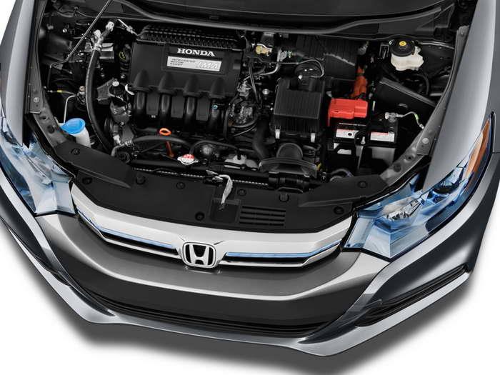 Honda Insight 2 моторный отсек