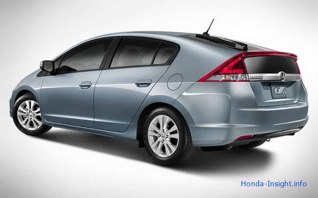 Обзор Honda Insight 2013